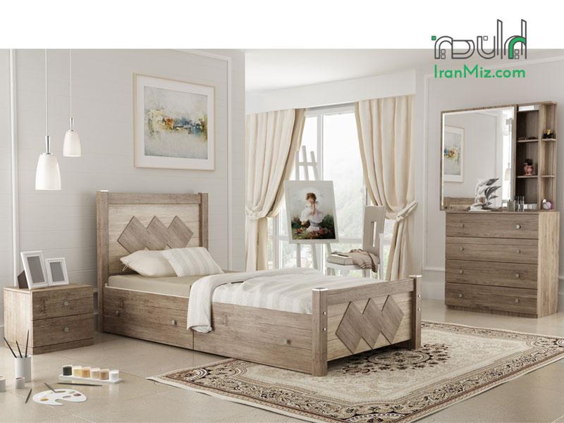 تخت چوبی و فلزی