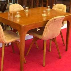 میز ناهار خوری ونوشه
